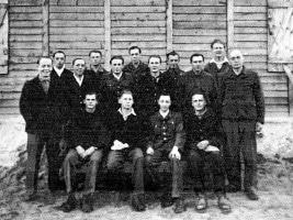Fusshöller, assis, 2ème à partir de la droite
